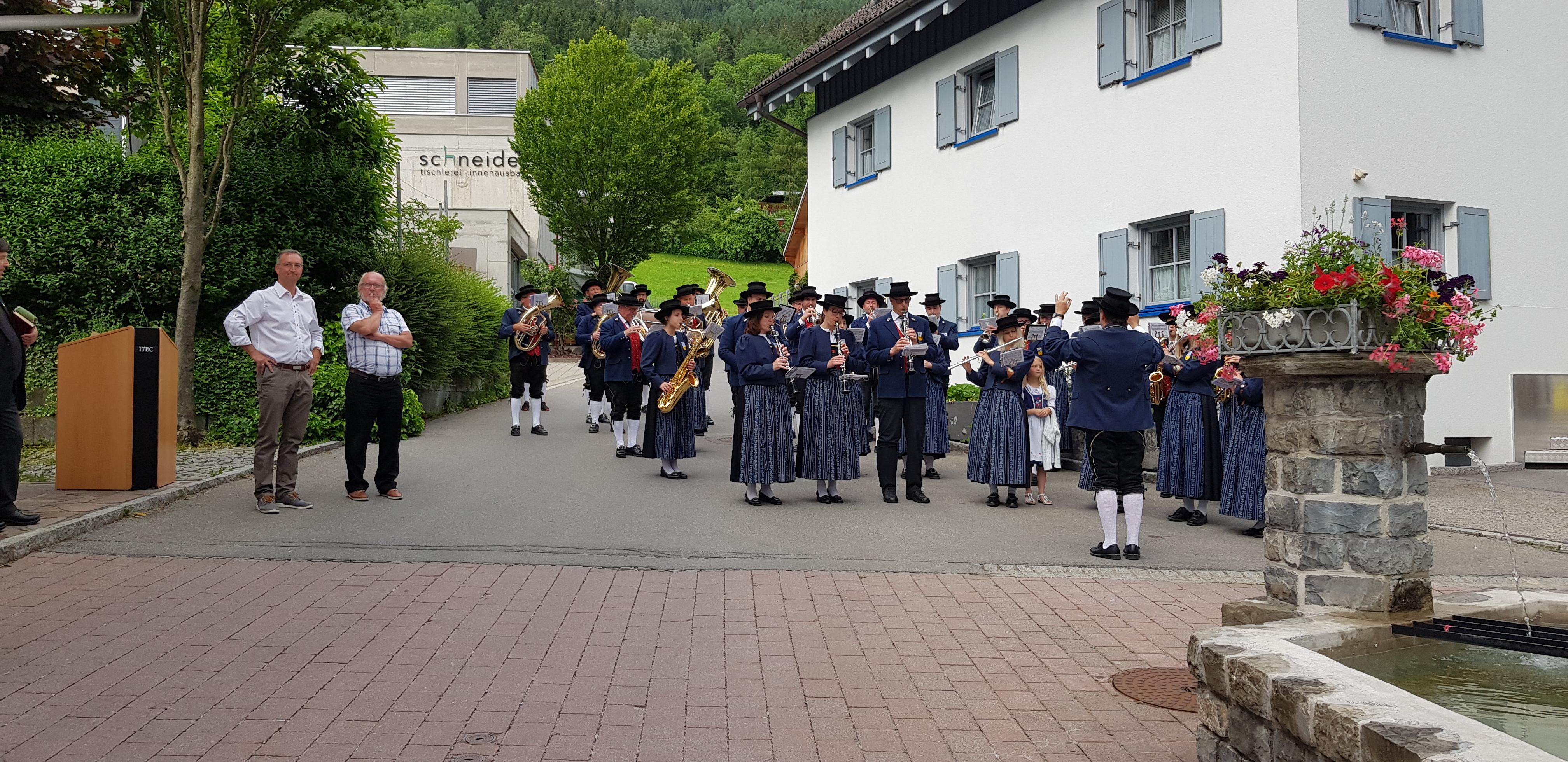 Dorfbrunnen Ludesch (1).jpg